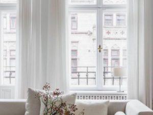 白い内装にしよう。